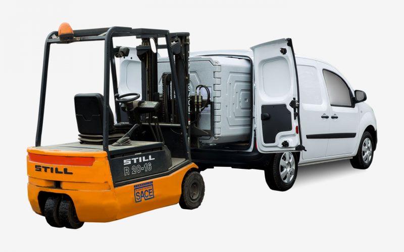 Caricamento contenitore refrigerato per veicolo commerciale